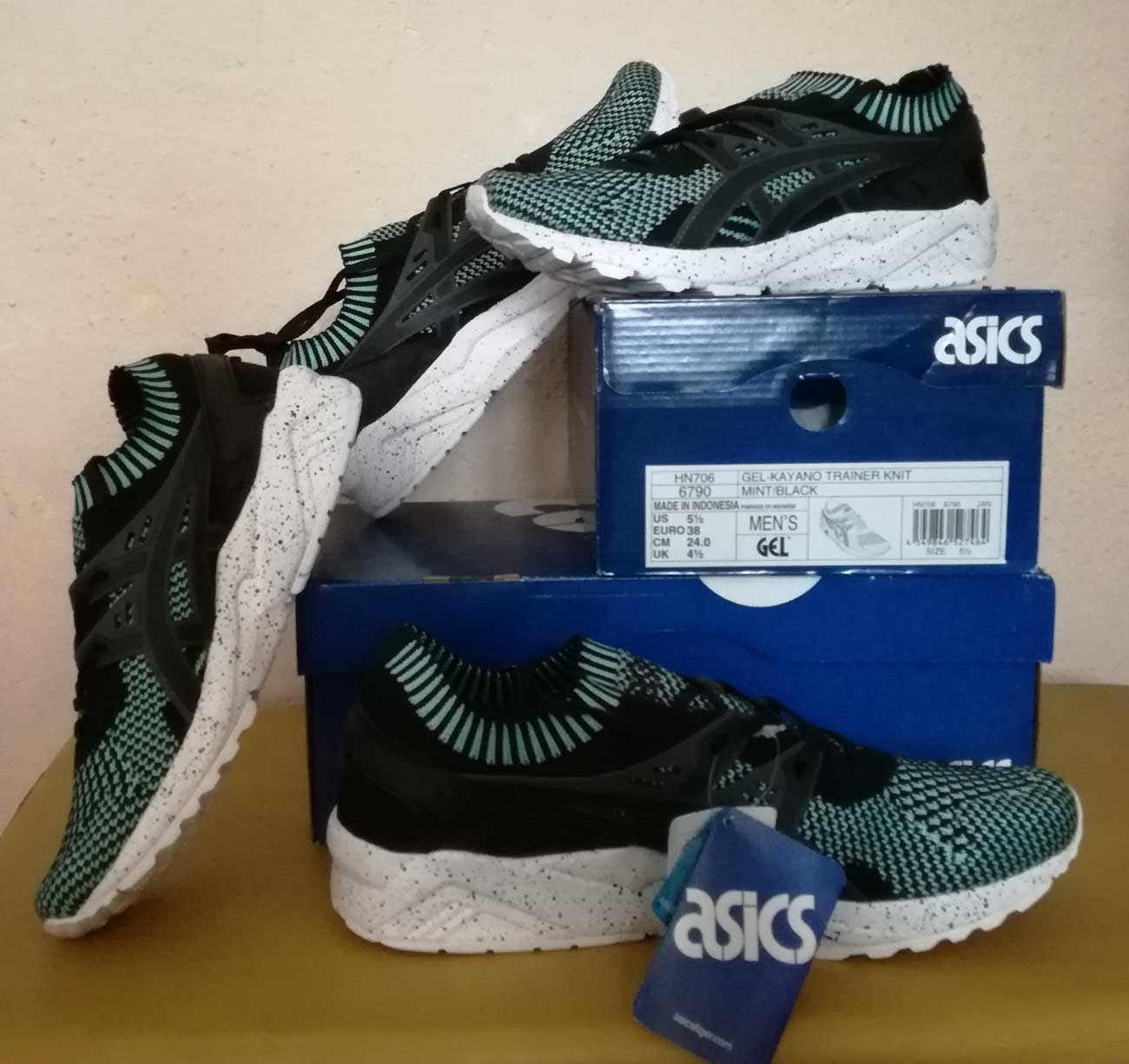 SLEAZE + Gel Kayano stricken
